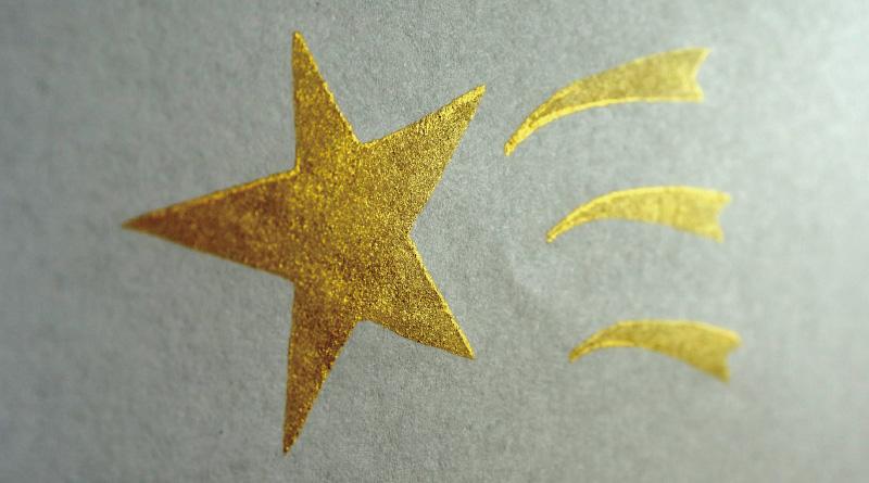 キラキラとした発色が特徴のデリカータ